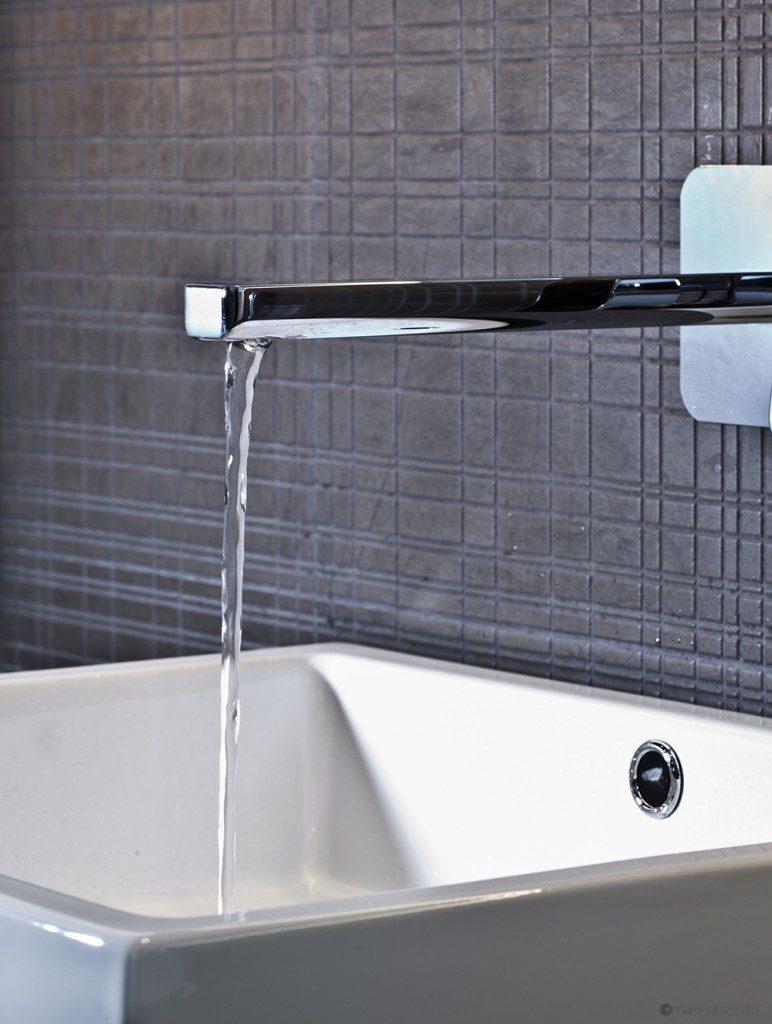 Arredo bagno covolo mobili bagno rubinetterie sanitari e wellness - Rubinetto a parete bagno ...
